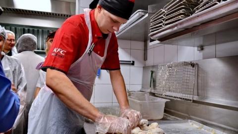 Жителей Саратова приглашают на экскурсию по кухне ресторана