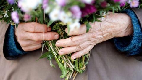одинокие пожилые мужчины познакомиться