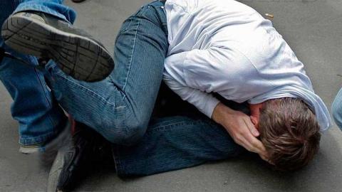 Двух парней из Энгельса осудили за грабеж и избиение подростков