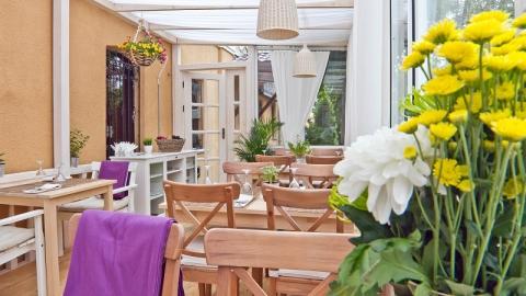 Предприниматели: Открытие летних кафе в Саратове под угрозой срыва