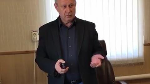 "Опубликовано видео задержания директора МУП ""Тепло"" в Марксе"