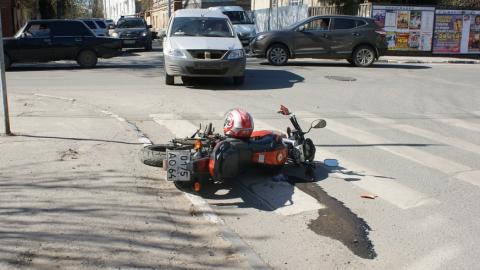 """На Мичурина """"Ларгус"""" протаранил мотоцикл"""