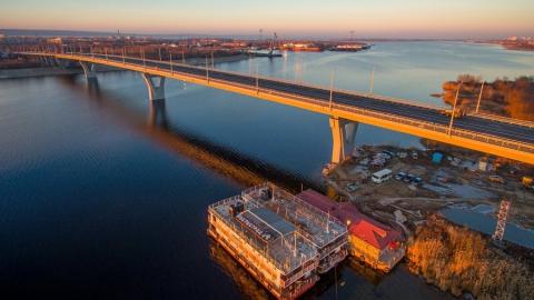 В Балаково спасатели вытащили из воды спрыгнувшего с моста мужчину