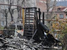 Фоторепортаж с места гибели троих человек на пожаре