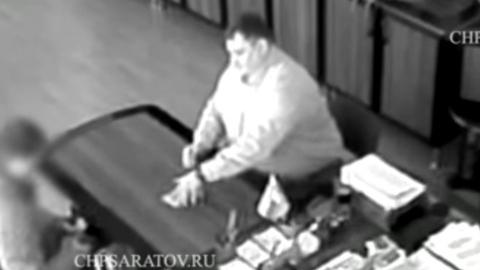 СМИ опубликовало видео получения взяток экс-прокурором Зубакиным