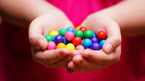 Минсоцразвития задолжало 19 млн зановогодние подарки детям