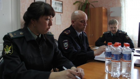 Ершовские приставы заручились поддержкой полицейских при аресте имущества курдов
