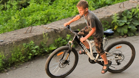 Юный велосипедист оказался под колесами иномарки