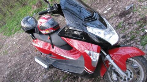 Двое юношей задержаны заизбиение водителя ихищение скутера
