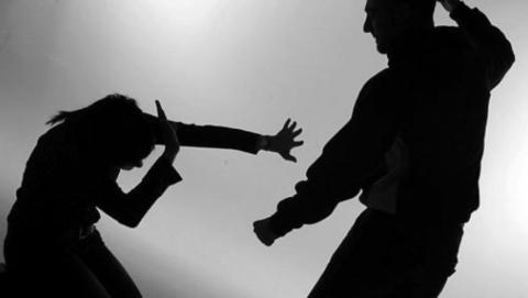 ВСаратове мужчина безжалостно избил свою сожительницу