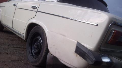 ВСаратове задержали молодых людей, толкавших угнанный автомобиль