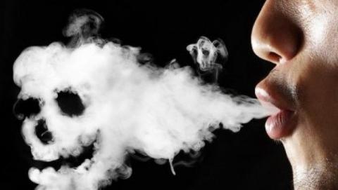 Курение в нетрезвом виде привело горожанку в реанимацию