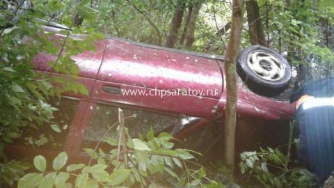 Под Саратовом ВАЗ-2112 вылетел вкювет, пострадали трое детей