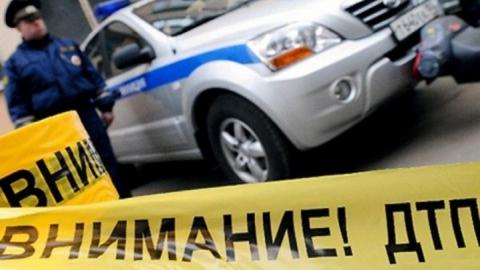 В Петровске автомобиль врезался в бывший пост ГИБДД
