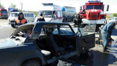 Под Саратовом два человека пострадали в массовой аварии