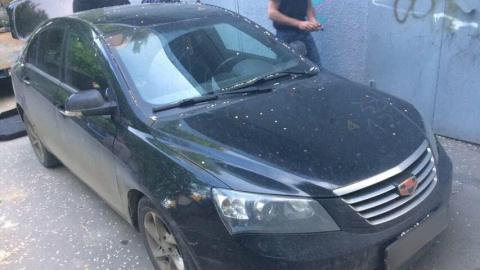 В Саратове приставы у должника по алиментам арестовали автомобиль