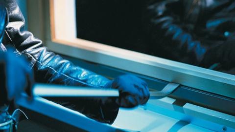 В Саратове мужчина предстанет перед судом за 17 квартирных краж