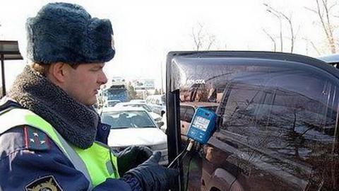 В Саратове за 4 дня почти 700 водителей оштрафовали за тонировку
