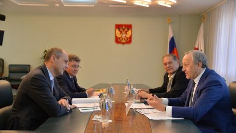Денис Паслер провел рабочую встречу с врио губернатора Саратовской области