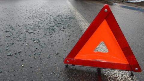 В Саратове четыре человека пострадали в массовой аварии
