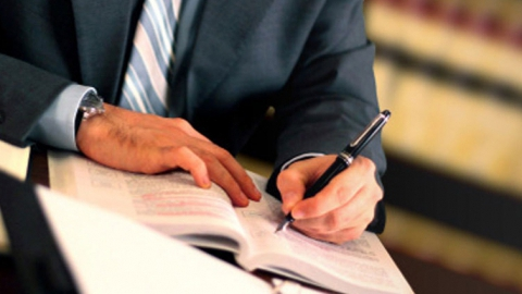 Как получить долги с компании, которую налоговая признала недействующей?