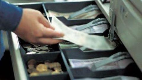 В Саратове рецидивист украл 14 тысяч из кассы магазина цветов