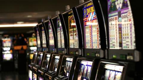 В Балаково возбудили ряд уголовных дел за организацию азартных игр