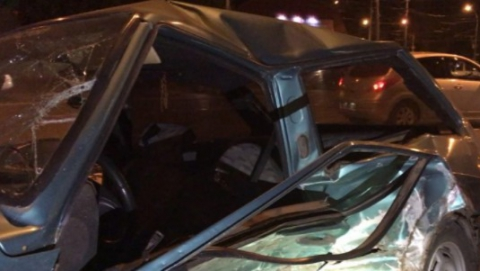 "В Саратове два человека пострадали при столкновении ""Опеля"" и ""восьмерки"""
