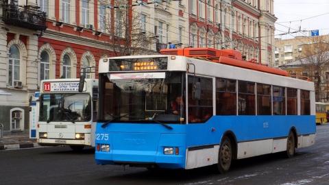 Саратовская школьница пострадала при падении в тролейбусе №4