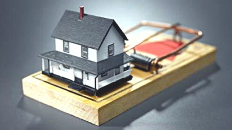 В Саратове мошенники присвоили восемь принадлежащих городу квартир