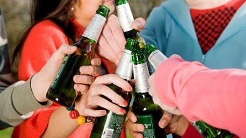 В Энгельсе школьница попала в реанимацию с отравлением алкоголем