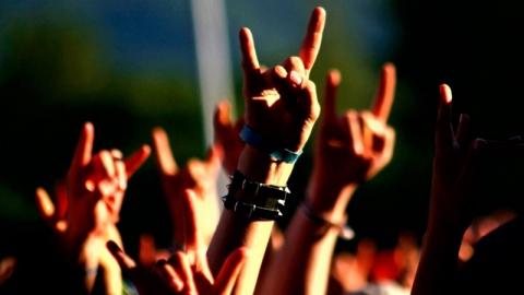 Саратовцам предлагают сразится в интеллектуальной битве и послушать рок-музыку