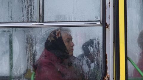В Саратове 80-летняя женщина госпитализирована после падения в автобусе