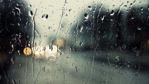 В Саратове прогнозируют дождь и сильный ветер