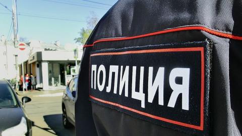 В Саратове полицейский с приятелем стали сутенерами пяти девушек