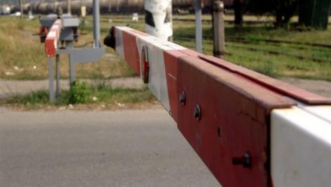 В Красноармейском районе перекроют железнодорожный переезд
