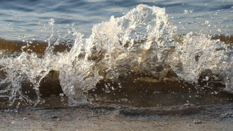 На строительство пляжа в Саратове дополнительно выделят 37 миллионов рублей