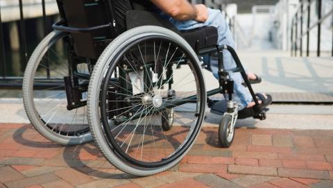 В Ртищево инвалид-колясочник получил квартиру после вмешательства прокуратуры
