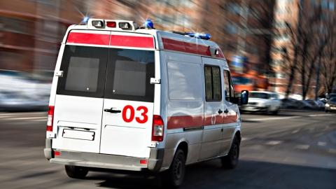 """В Саратове десять человек пострадали при столкновении маршрутки и """"КамАЗа"""""""