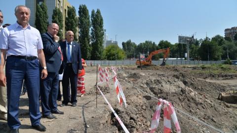 Валерий Радаев поручил закончить строительство исторического парка к концу года