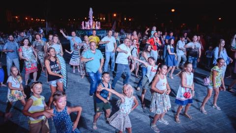 """Жители """"Родных просторов"""" отметили день рождения поселка"""