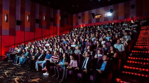 """Саратовцев ждут на показе фильма """"Король говорит"""" и открытии """"Sweet-кафе"""""""