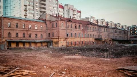В Саратове казармы на Ильинской площади сдадут в аренду за рубль
