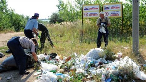 Около 5 тонн мусора вывезли балаковские атомщики с берегов водоема-охладителя