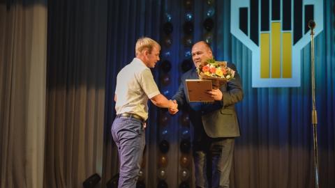 Сотрудники Саратовского НПЗ получили профессиональные награды ко Дню нефтяника