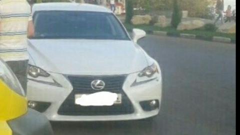"""Автоледи на """"Лексусе"""" сбила ребенка на Набережной"""