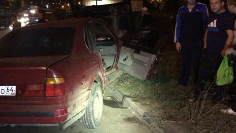 """В Саратове трое человек пострадали в массовой аварии с """"БМВ"""""""