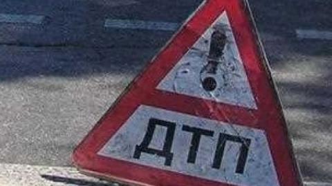 """Пассажирка """"Ниссана"""" погибла в аварии с полуприцепом на трассе"""