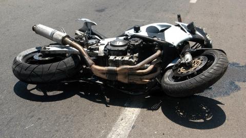 """Ночью в Саратове опрокинулся мотоцикл """"Хонда"""""""