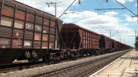 В Саратове на железной дороге задымился вагон с серой